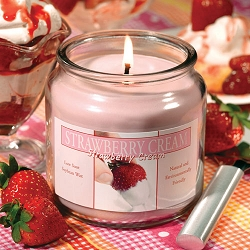 Sierra Valley Strawberry Cream Candle