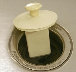 SIERRA VALLEY SCRAPPER  GARBAGE DISPOSAL SINK STOPPER AND SCRAPER - TAN